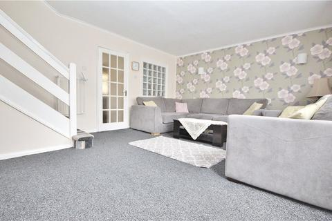 3 bedroom terraced house to rent - Fairlawn Close, Hanworth, TW13