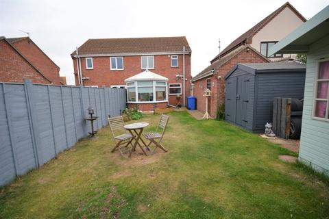 3 bedroom semi-detached house for sale - Martin Close, Carlton Colville
