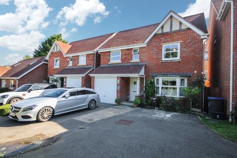 4 bedroom detached house for sale - Sassoon Close, Salisbury