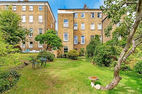 2 bedroom flat for sale - Salters Hill, London SE19