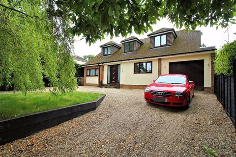 4 bedroom detached house for sale - Woodland Way, Oaklands, Welwyn AL6 0RZ