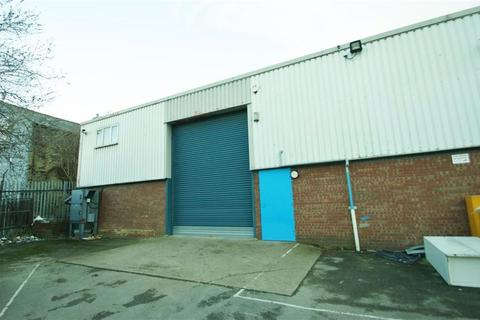 Property to rent - Dolly Lane, Leeds, LS9