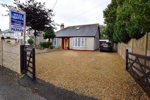 4 bedroom detached bungalow for sale - Hall Park, Haverfordwest