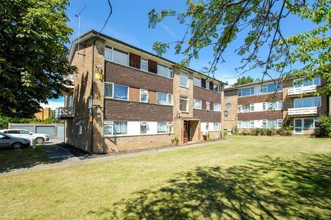 2 bedroom flat for sale - Laburnum Grove, Colnbrook, Langley