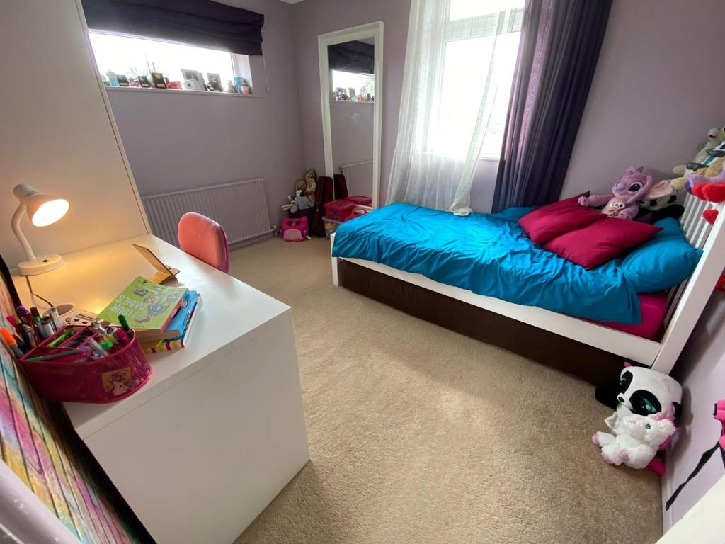 Gould Bed2.jpg