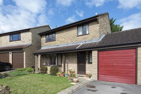 4 bedroom house - Higher Kingsbury Close, Milborne Port, DT9