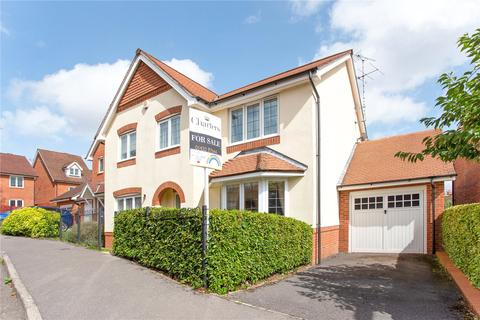 4 bedroom detached house for sale - Florence Way, Alton, Hampshire, GU34