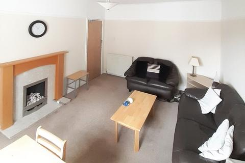 3 bedroom flat to rent - Froghall Place, , Aberdeen, AB24 3JS