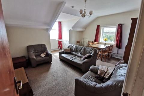 3 bedroom apartment to rent - Second Floor Flat Coedwig Woodlands Terrace Swansea