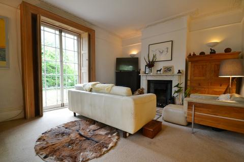 2 bedroom flat - Southampton