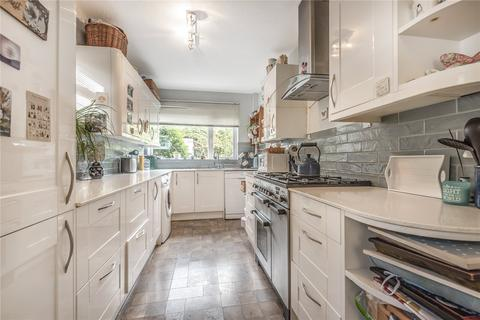 3 bedroom semi-detached house for sale - Fernhurst Crescent, Tunbridge Wells, Kent, TN4