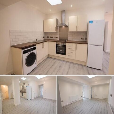2 bedroom apartment to rent - Rydal House, Rydal Avenue, Hyde SK14