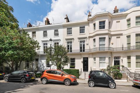 4 bedroom terraced house - Campden Grove, Kensington, London, W8