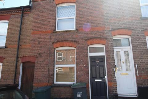 3 bedroom terraced house to rent - Cambridge Street, Town Centre, Luton, LU1 3QT