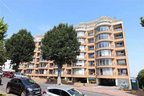 3 bedroom apartment for sale - Rustington Court, 8 St. Johns Road, Meads, Eastbourne, East Sussex, BN20