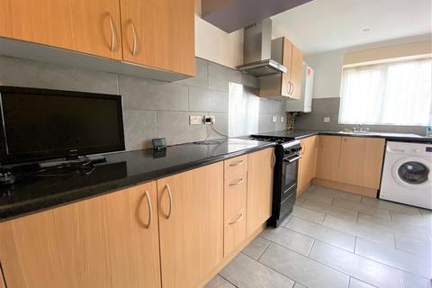 3 bedroom terraced house to rent - Burwell Road, Leyton E10
