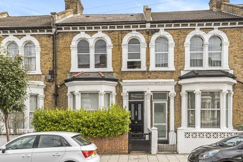 3 bedroom flat for sale - Plato Road, Brixton