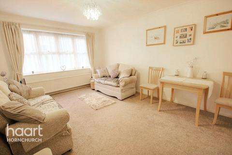 1 bedroom apartment for sale - Abbs Cross Gardens, Hornchurch