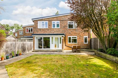 3 bedroom end of terrace house for sale - Scrutton Close, London, SW12