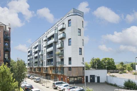 2 bedroom apartment for sale - Walters Farm Road, Tonbridge