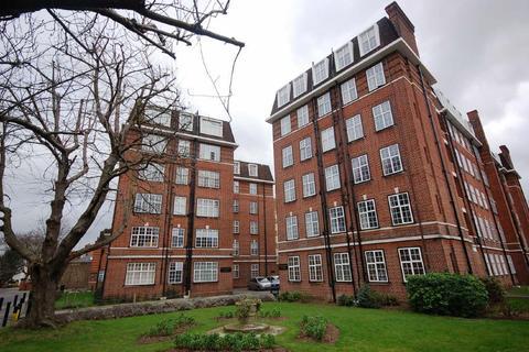 1 bedroom flat - Heathfield Terrace, Chiswick