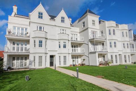 2 bedroom apartment for sale - Worthing, West Sussex BN11 4LA