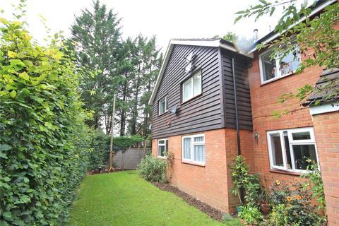 2 bedroom flat for sale - Canonsfield Road, Welwyn
