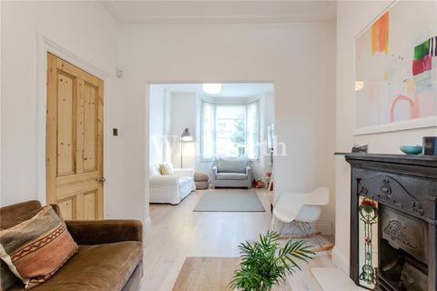 3 bedroom terraced house for sale - Effingham Road, London, N8