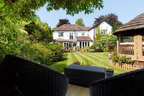 5 bedroom detached house for sale - Hill Top, Hale