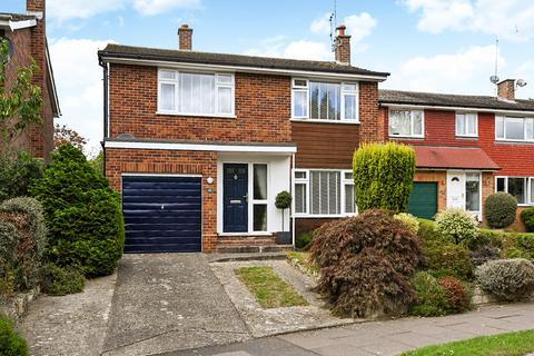 3 bedroom detached house for sale - Coniston Avenue, Tunbridge Wells
