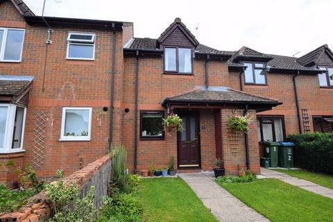 2 bedroom terraced house for sale - Lott Walk, Aylesbury