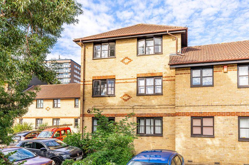 Hickory Close, Edmonton, N9 1 bed apartment for sale - £ ...
