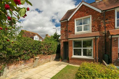 4 bedroom end of terrace house for sale - Twiss Road, Hythe, CT21