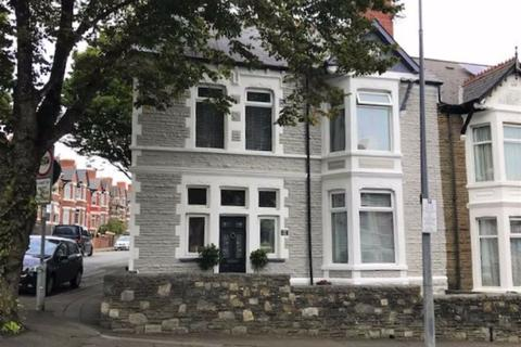4 bedroom end of terrace house for sale - Tynewydd Road, Barry