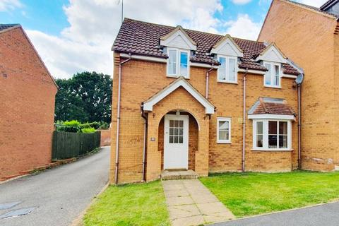 4 bedroom semi-detached house for sale - Dairy Way, Irthlingborough