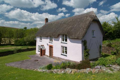 2 bedroom cottage to rent - East Village