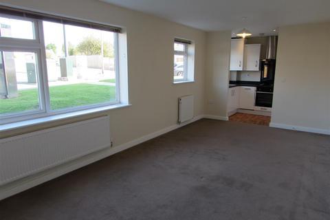 1 bedroom flat to rent - Westfield Court, Handcross Road, Luton