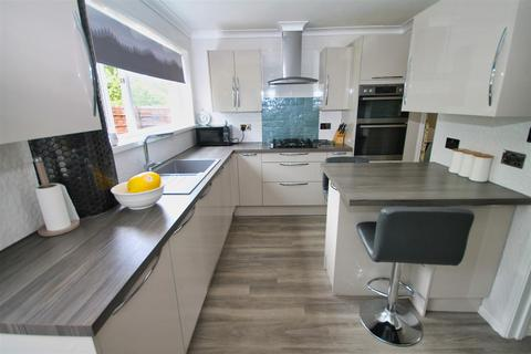 3 bedroom terraced house for sale - Dale Valley Road, Poole