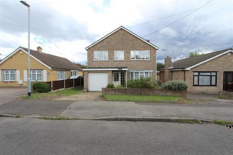 4 bedroom detached house for sale - Saxon Avenue, Minster On Sea, Sheerness