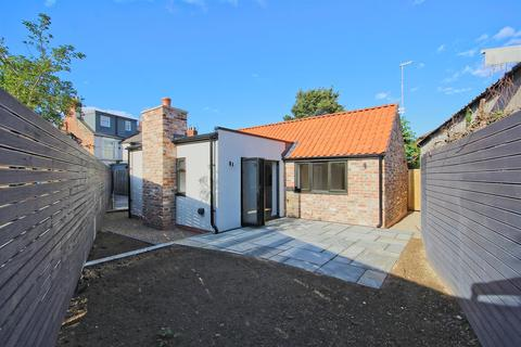 2 bedroom detached house for sale - The Little Barn 4A Butt Lane