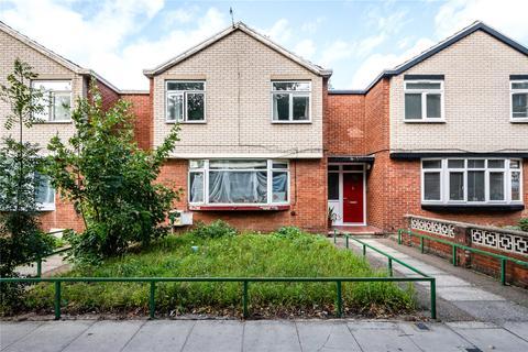 3 bedroom terraced house for sale - Mace Street, London, E2