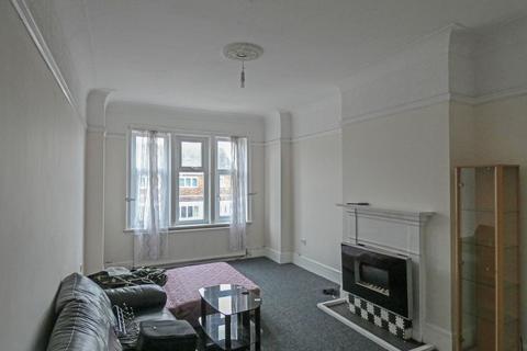 3 bedroom flat - High Street, Easington Lane, Houghton le Spring, Tyne & Wear, DH5 0JS