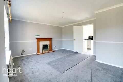 2 bedroom bungalow for sale - Silver Birches, Sheerness
