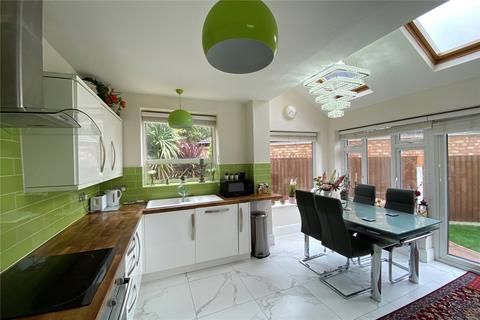 5 bedroom semi-detached house for sale - Petersfield Road, Staines-upon-Thames, Surrey, TW18