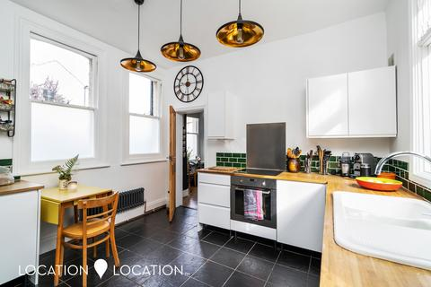 3 bedroom flat for sale - Dongola Road, N17