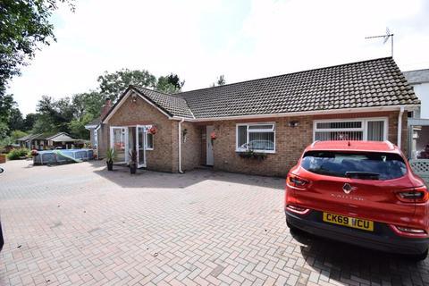 3 bedroom detached bungalow for sale - 2 Glan Yr Afon, Ynysybwl, Pontypridd CF37 3DR