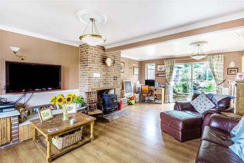 4 bedroom semi-detached house for sale - Granville Road, Oxted, Surrey, RH8
