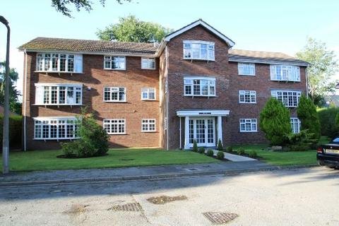 2 bedroom apartment for sale - Pinewood Court, South Downs Road, Hale