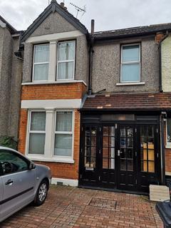 4 bedroom terraced house for sale - Ashurst Road, Tadworth