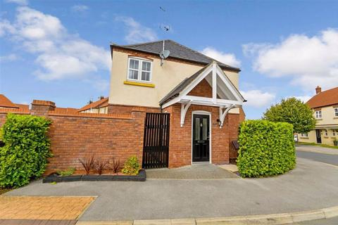 1 bedroom apartment for sale - Shinewater Park, Kingswood, Hull, East Yorkshire, HU7